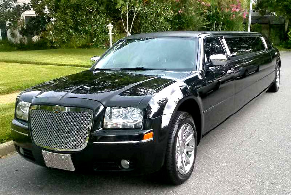 Lexington Kentucky Chrysler 300 Limo
